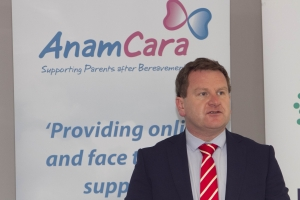 Anam Cara helps employers to support bereaved parents 1,900 families bereaved each year in Ireland.   Anam Cara, the national organisation that provides support services to bereaved parents and families, published their best practice guidelines for employers to support parents whose child has died. The guidelines address relevant and sensitive concerns and advise employers how to proceed immediately after the death of an employee's son or daughter and what to do before and after they return to work.  Picture Colm Mahady / Fennells - Copyright 2014 Fennell Photography